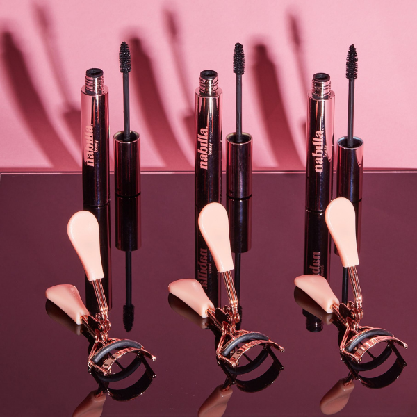 1 mascara Lashes on Fleek + 1 eyeliner Liner on Fleek +1 recourbe-cils offert