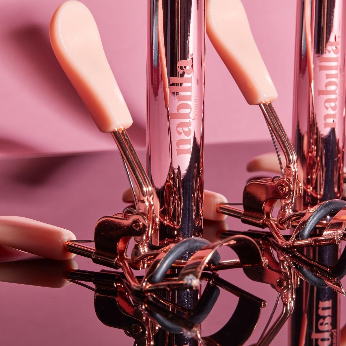 1 mascara Lashes on Fleek + 1 palette au choix + 1 eyeliner + 1 recourbe-cils