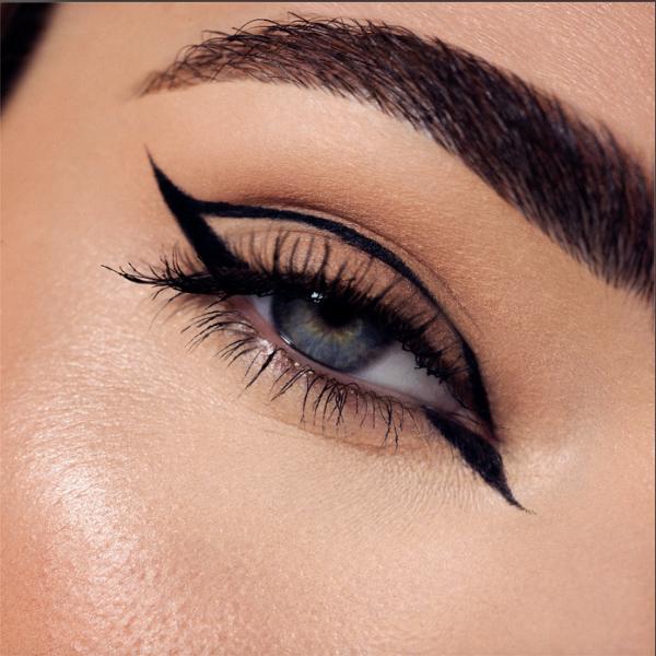 1 eyeliner + 1 mascara