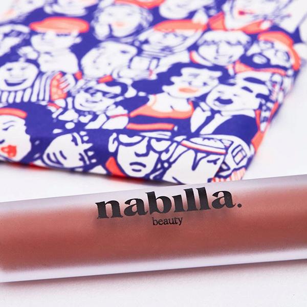 1 lipstick + milk chocolate, caramel