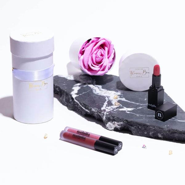 1 lipstick + 1 soft pink box